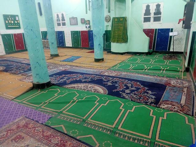 أهالي المنشاه يناشدون أوقاف سوهاج فرش مسجد الكرارجي