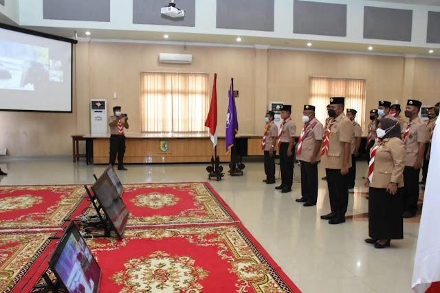 Gubernur Sumut Memberikan Penghargaan Lencana  Pancawarsa IV Kepada Bupati Sergai
