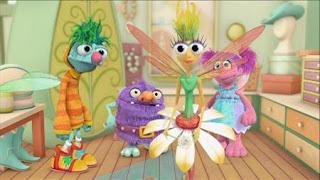 Abby's Flying Fairy School Opposite Day, Abby Cadabby, Blögg, Gonnigan, Mrs. Sparklenose, Sesame Street Episode 4406 Help O Bots, Help-O-Bots season 44