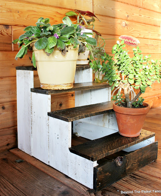 pallets, step stool, DIY, plant stand, paint, stain, http://bec4-beyondthepicketfence.blogspot.com/2016/04/pallet-plant-stepstool-diy.html