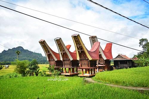 Rumah adat di Tana Toraja