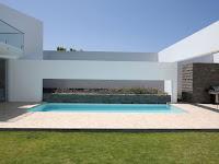 Casa Patios by Riofrio+Rodrigo Arquitectos