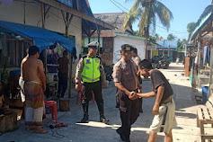 Patmor Sat Sabhara Bersama Bhabinkamtibmas Polres Selayar Laksanakan Patroli Jalan Kaki