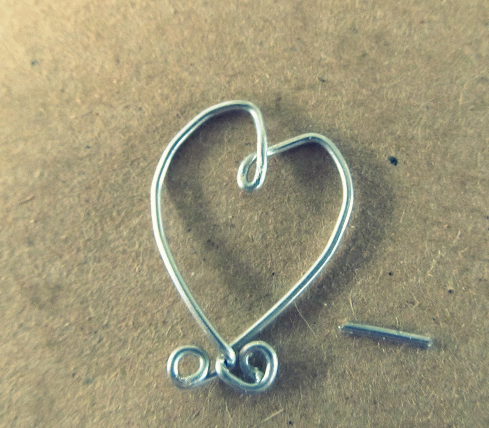 WobiSobi: Heart, Wire Earrings,DIY