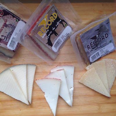 tabla de quesos, queso, queso manchego, quesos record, crema de queso, semicurado, curado, queso mezcla, queso de vaca, cabra y oveja, queso de oveja, queso de cabra, blogger alicante, solo yo, blog solo yo, influencer, cooking blogger, cook blogger, que comemos hoy,