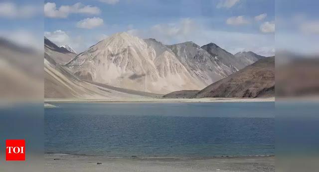 Indian bờ Nam hồ Pangong