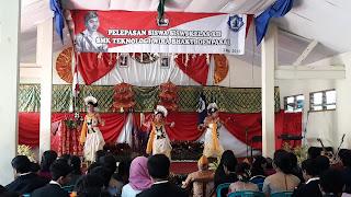 Tari jempiring, acara pelepasan siswa kelas XII SMK Teknologi Wira Bhakti Denpasar