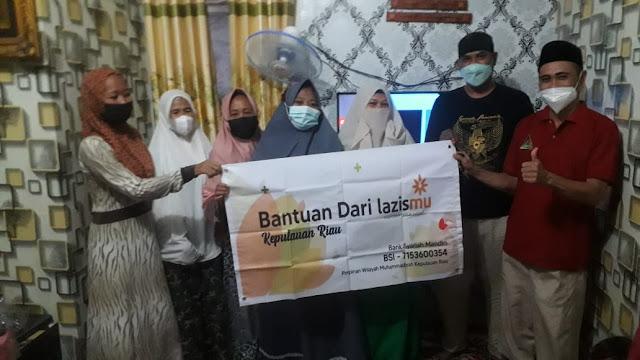 Lazismu Bagikan Paket Sembako Bersama Fokal IMM di Kepulauan Riau