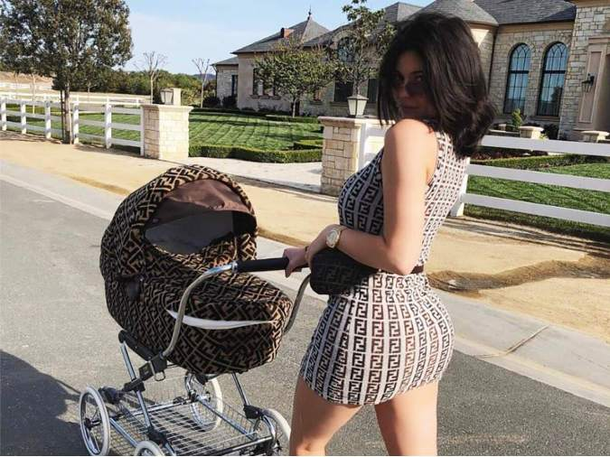 carrito bebe kylie jenner