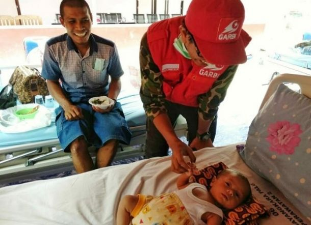 Allahu Akbar! Terseret Tsunami Palu, Bayi 2 Bulan Ditemukan Selamat Tersangkut Diatas Pohon