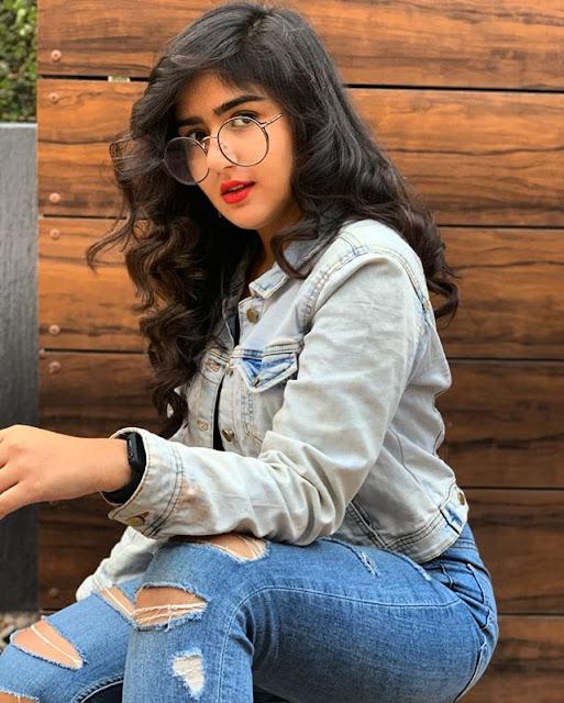 Manika Tahilyani Photos
