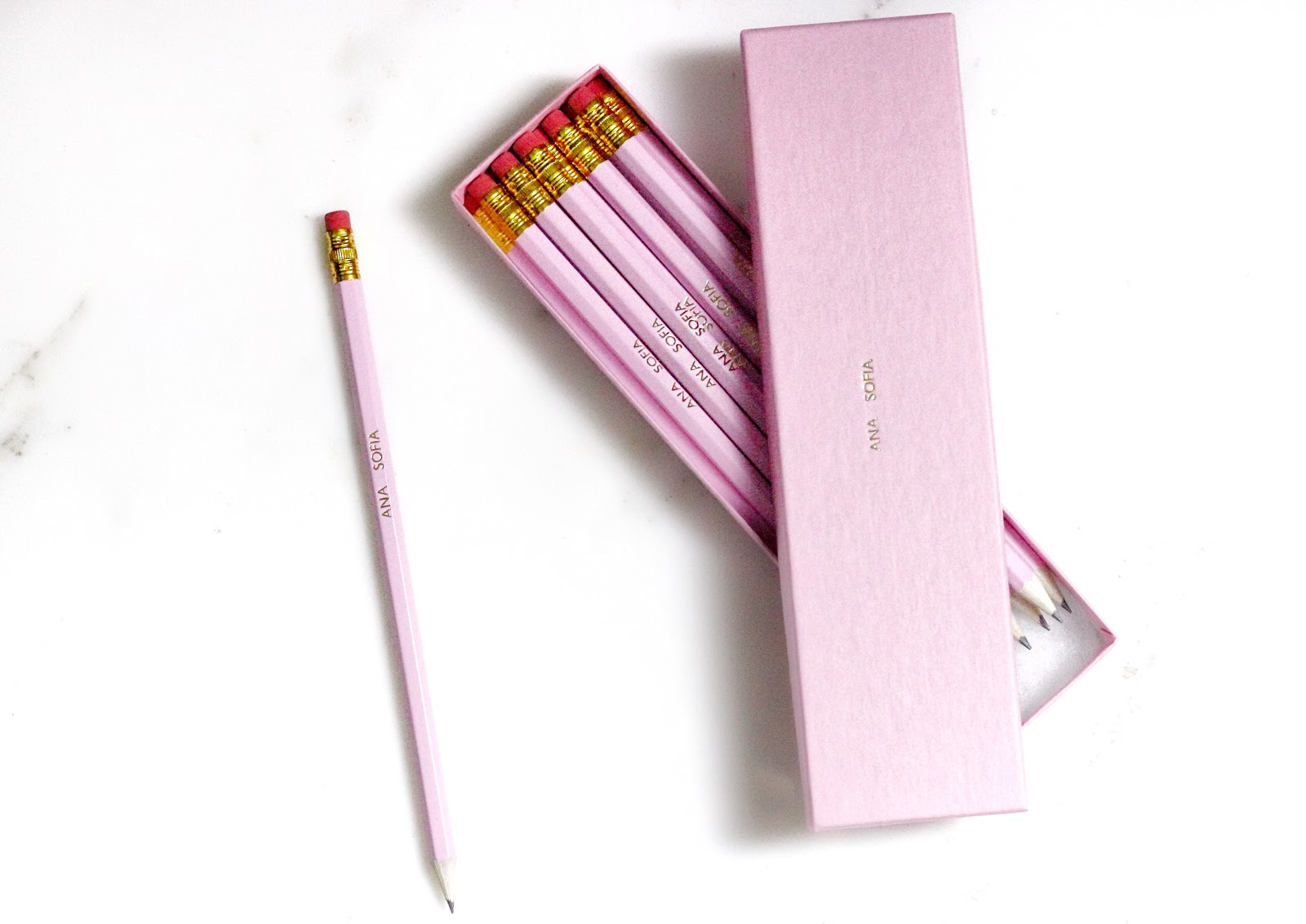 i just love it, personalised gifts, blogger, anasofiachic, beauty blogger, fashion blogger, lifestyle blogger, makeup blogger, british blogger, personalised, pink pencils, alice in wonderland, led wall letters