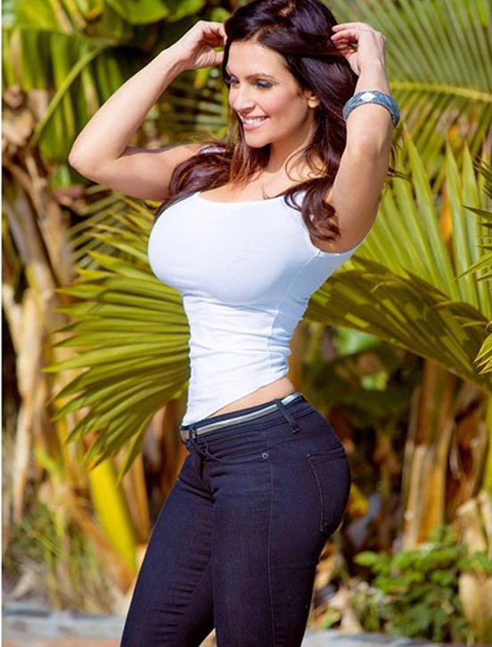 Fitness Model Denise Milani Instagram photos