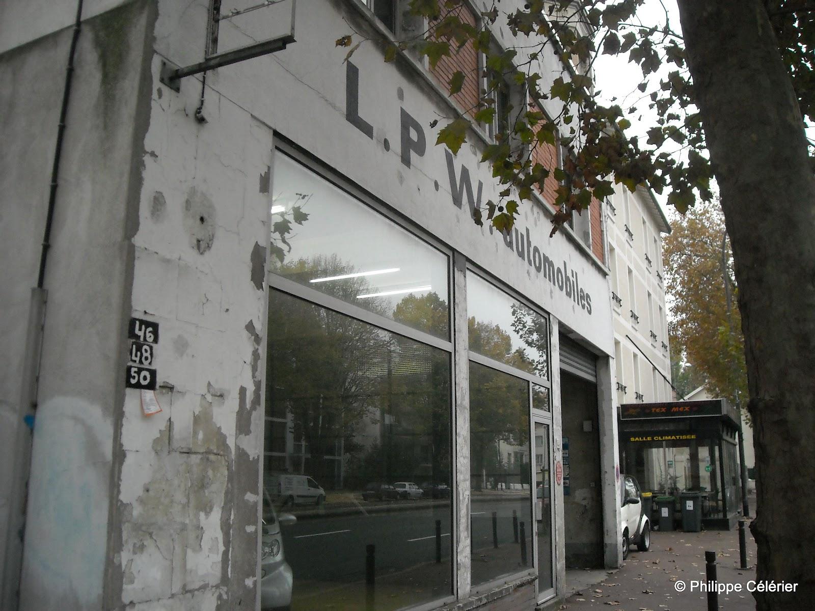 Les murs peints s 39 affichent ab c daire altos quanais a for Garage antony 92