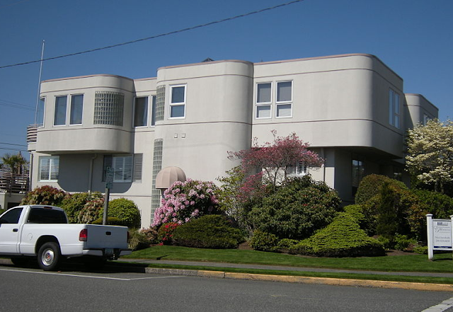 Streamline moderne apartment building, downtown Edmonds, Washington