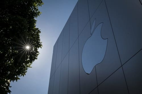 Because of the patents ... Apple is required to pay $ 500 million