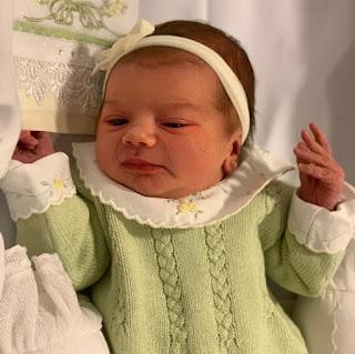 Thaeme compartilha foto de sua primeira filha, Liz — Foto: Reprodução/Instagram