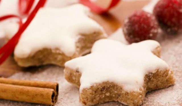 Νηστίσιμα Χριστουγεννιάτικα μπισκότα με κανέλα και πορτοκάλι