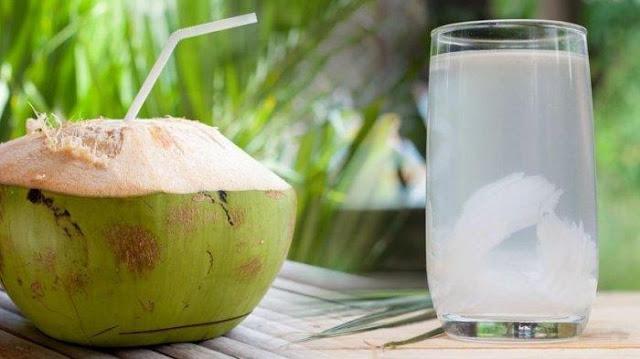 Punya Segudang Manfaat, Rutin Minum Rebusan Air Kelapa Ternyata Bisa Usir 8 Penyakit Ini