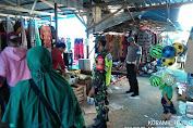 Serma Sri Wahyono Babinsa Koramil 10/Pelangiran Tetap Memfokuskan Dalam Penegakkan Disiplin di Pasar Tradisional