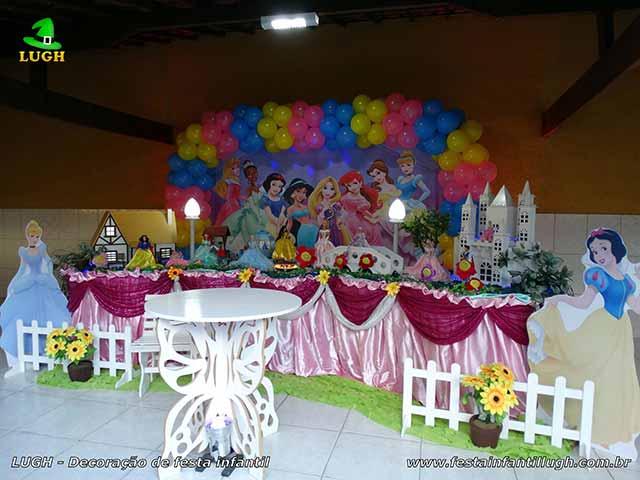 Decoração de mesa temática Princesas Disney - Tradicional com toalhas versão luxo