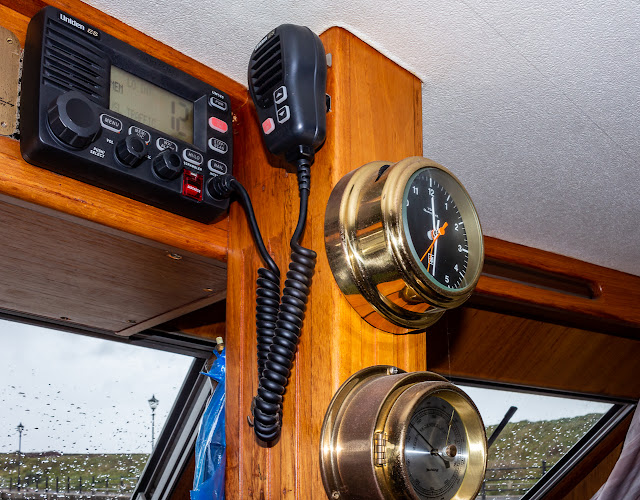 Photo of our old VHF radio on Ravensdale