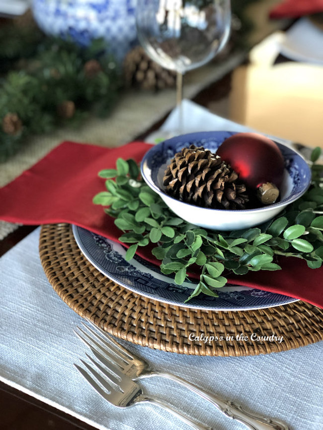 Christmas Table in a Navy Dining Room by Calypso in the Country featured at Pieced Pastimes