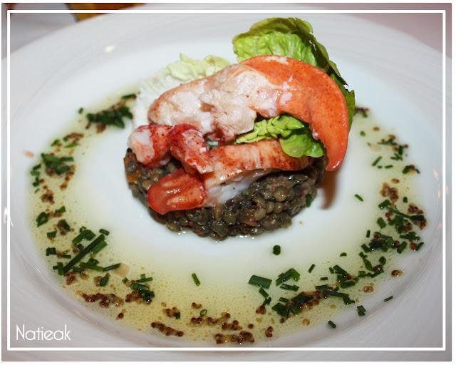 Demi homard et salade de lentille beluga
