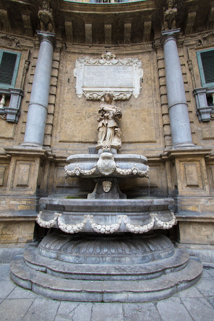 Fontana ai Quattro Canti-Palermo