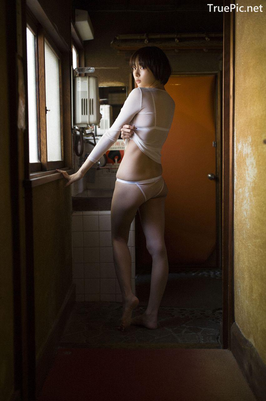 Image-Japanese-Model-Sayaka-Okada-What-To-Do-When-Its-Too-Hot-TruePic.net- Picture-1