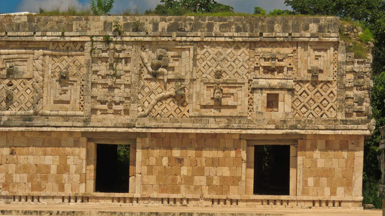 arquitectura maya caracteristicas