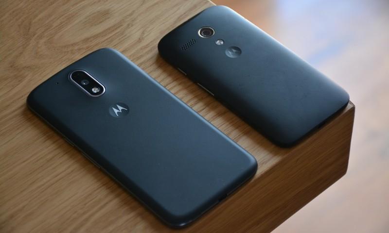 Cómo restablecer la configuración de fábrica en equipos Motorola