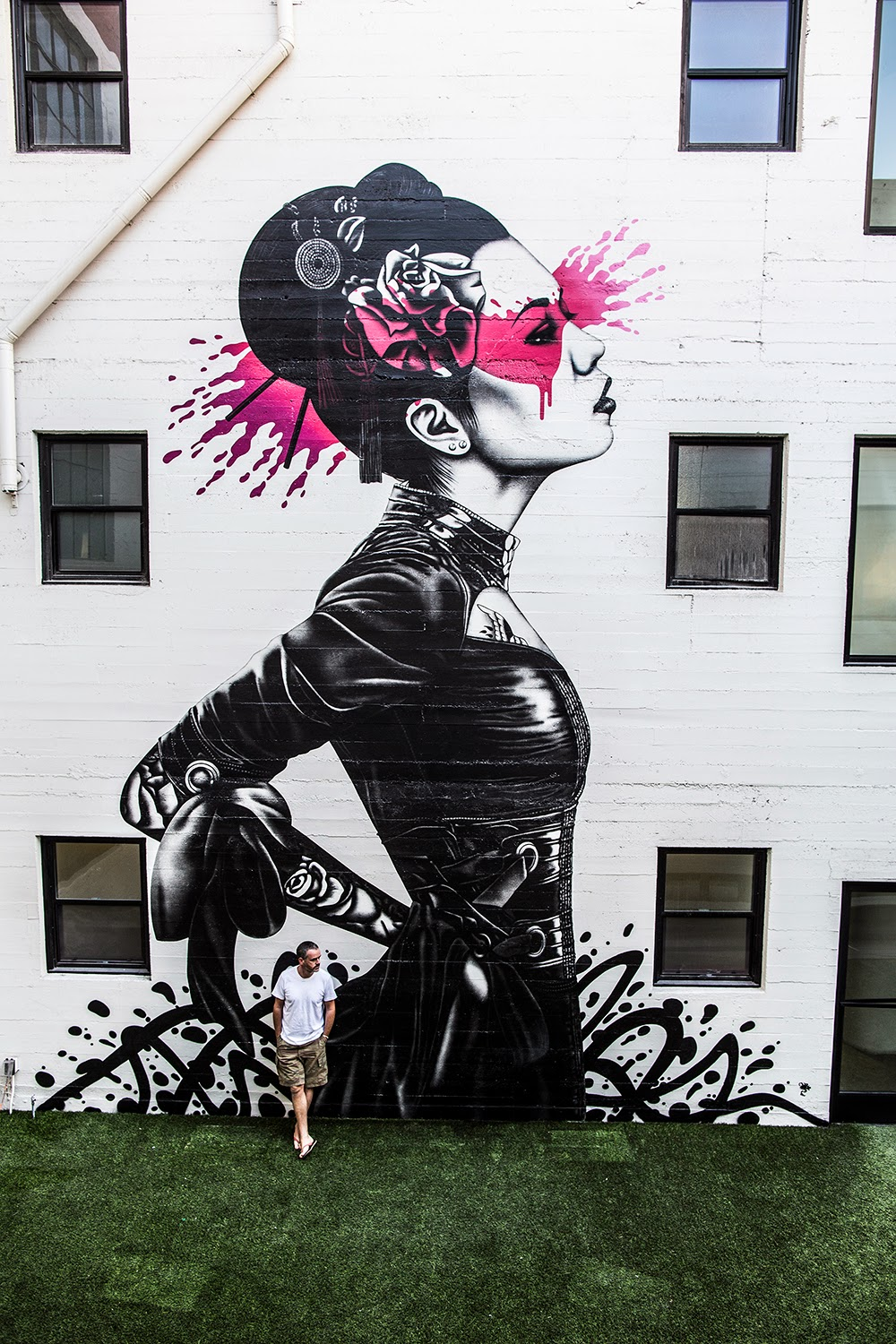 """Nadeshiko"" a new street art mural by  Irish artist Fin DAC in Downtown Los Angeles. 1"