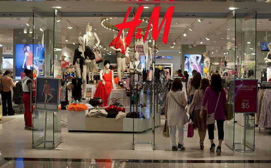 H&M Stores Trashed in S. Africa Anti-Racism Protest, eNCA Says