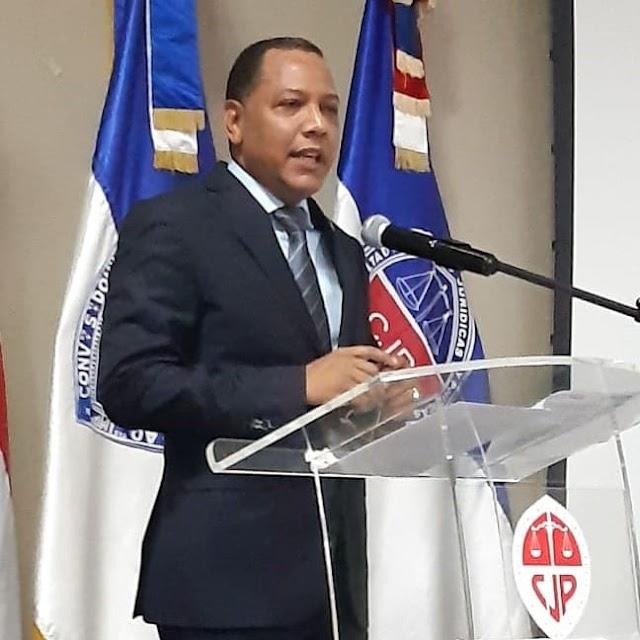 Decano Ciencias Jurídicas UASD presenta propuesta para elecciones presidenciales