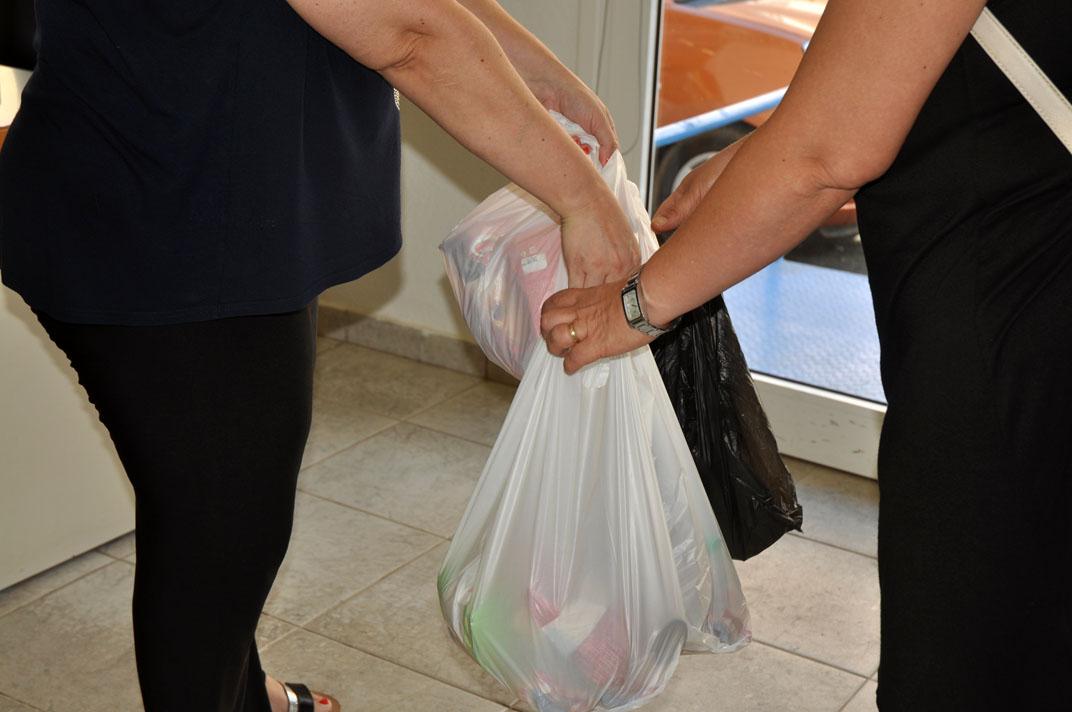 Δομή παροχής βασικών αγαθών: Κοινωνικό Παντοπωλείο Δήμου Νέας Προποντίδας