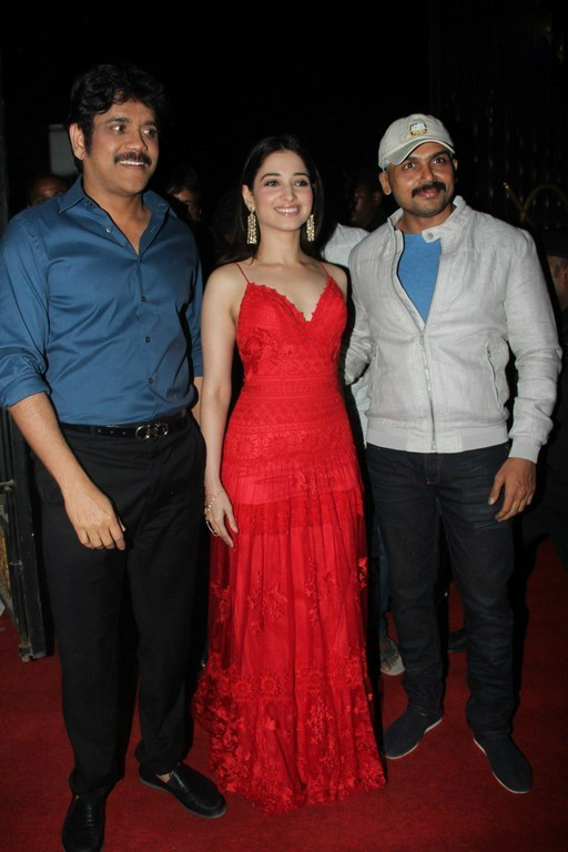 Tamanna flaunts Nagarjuna and Karthi at Thozha Audio launch. Hot Tamanna at Thozha audio launch, Hot Tamanna in Thozha-Oopiri audio Launch. hot and sensual Tamanna in Thozha, hot and Sensual tamanna in OOpiri