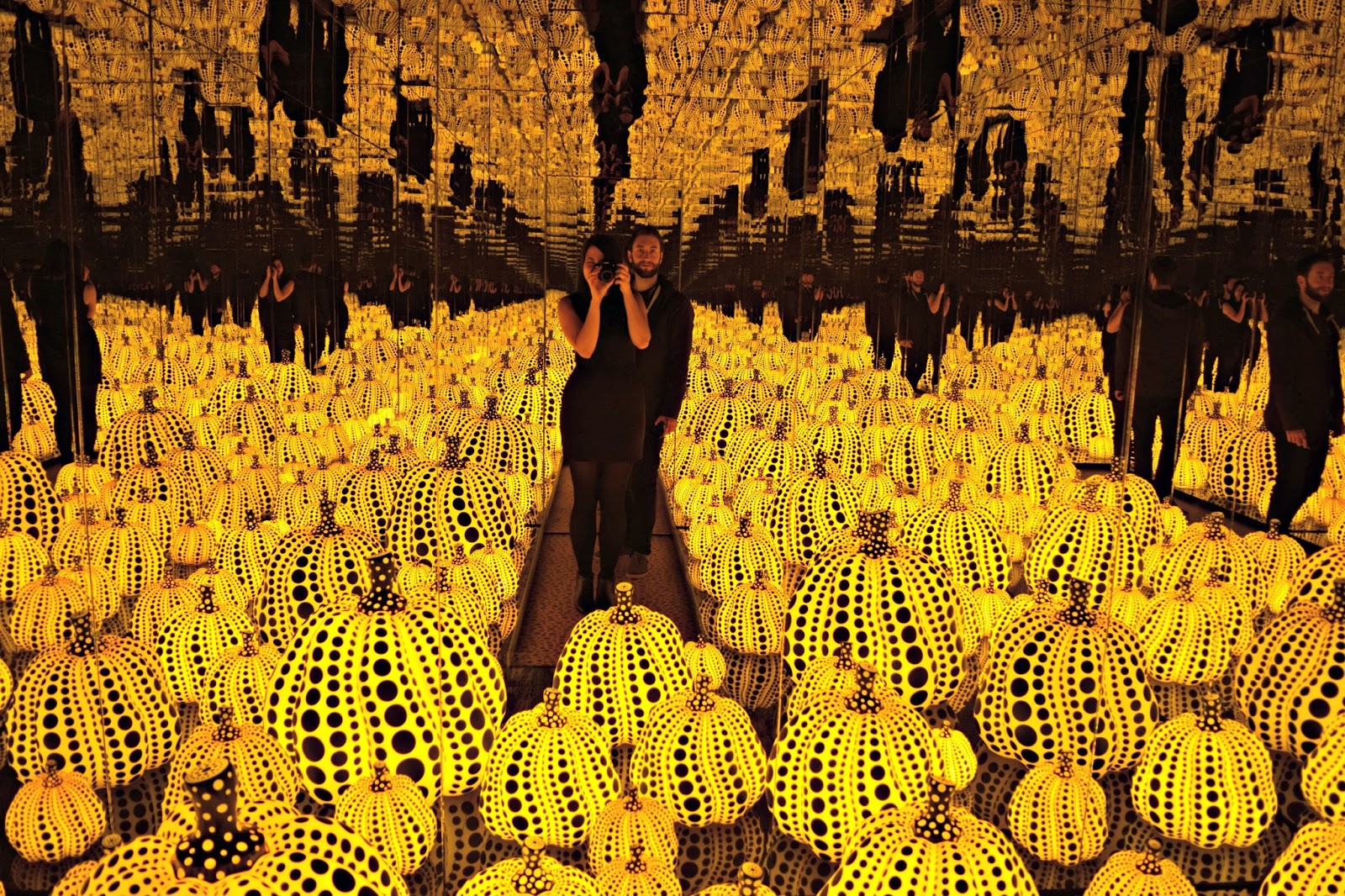 Yayoi Kusama all the eternal love I have for the pumpkins mirror rooms at Victoria Miro