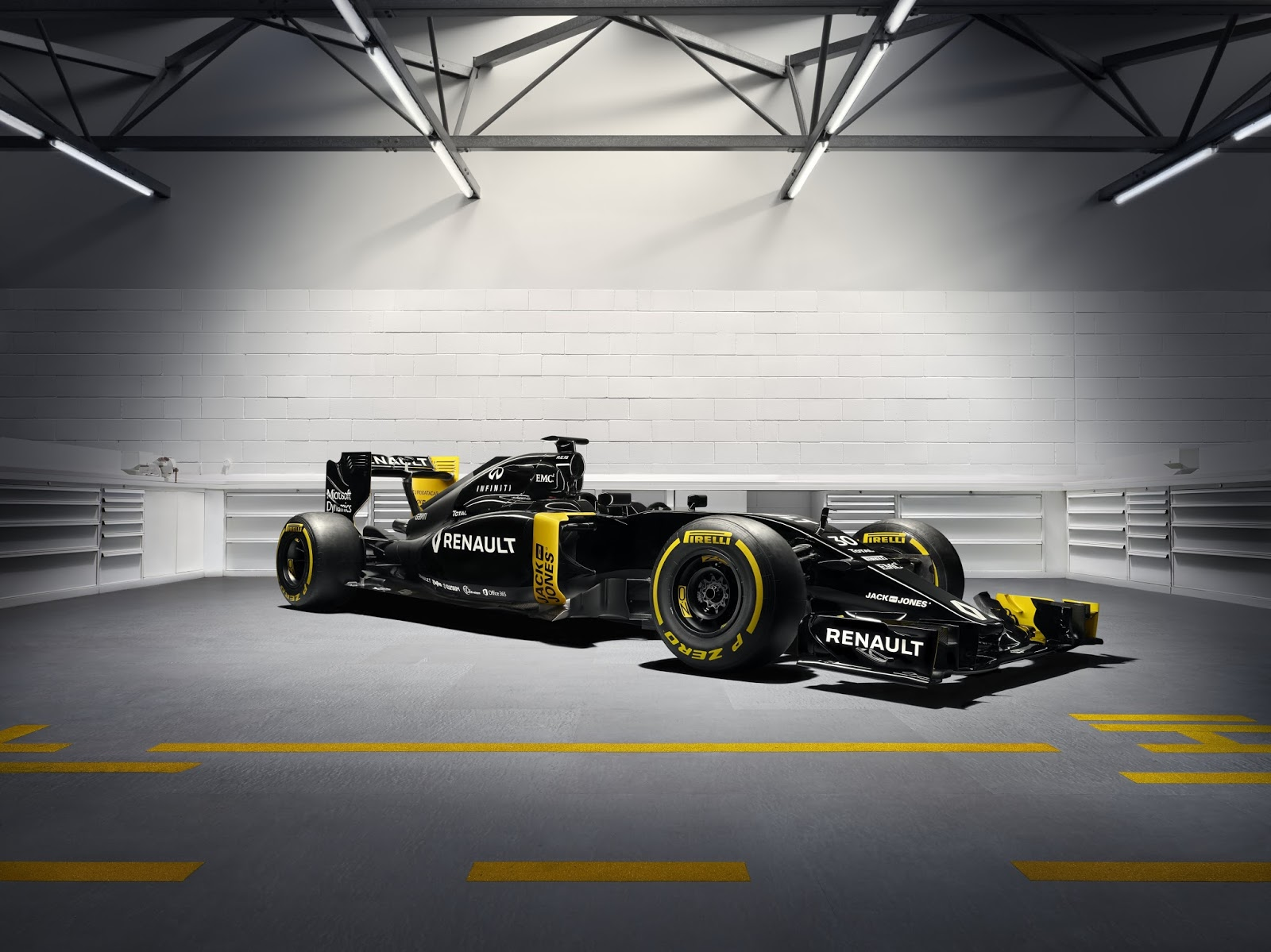 00096203 Renault Sport: Passion for Racing!