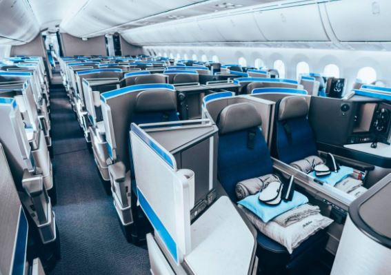 Boeing 787-10 Dreamliner first class interior
