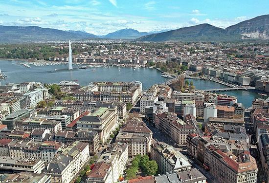 Genebra, na Suíça. Café com Jornalista