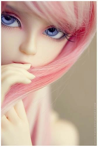 cute-doll-pink-hair-getpics