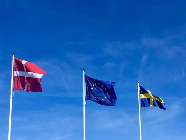 banderas suecia y dinamarca