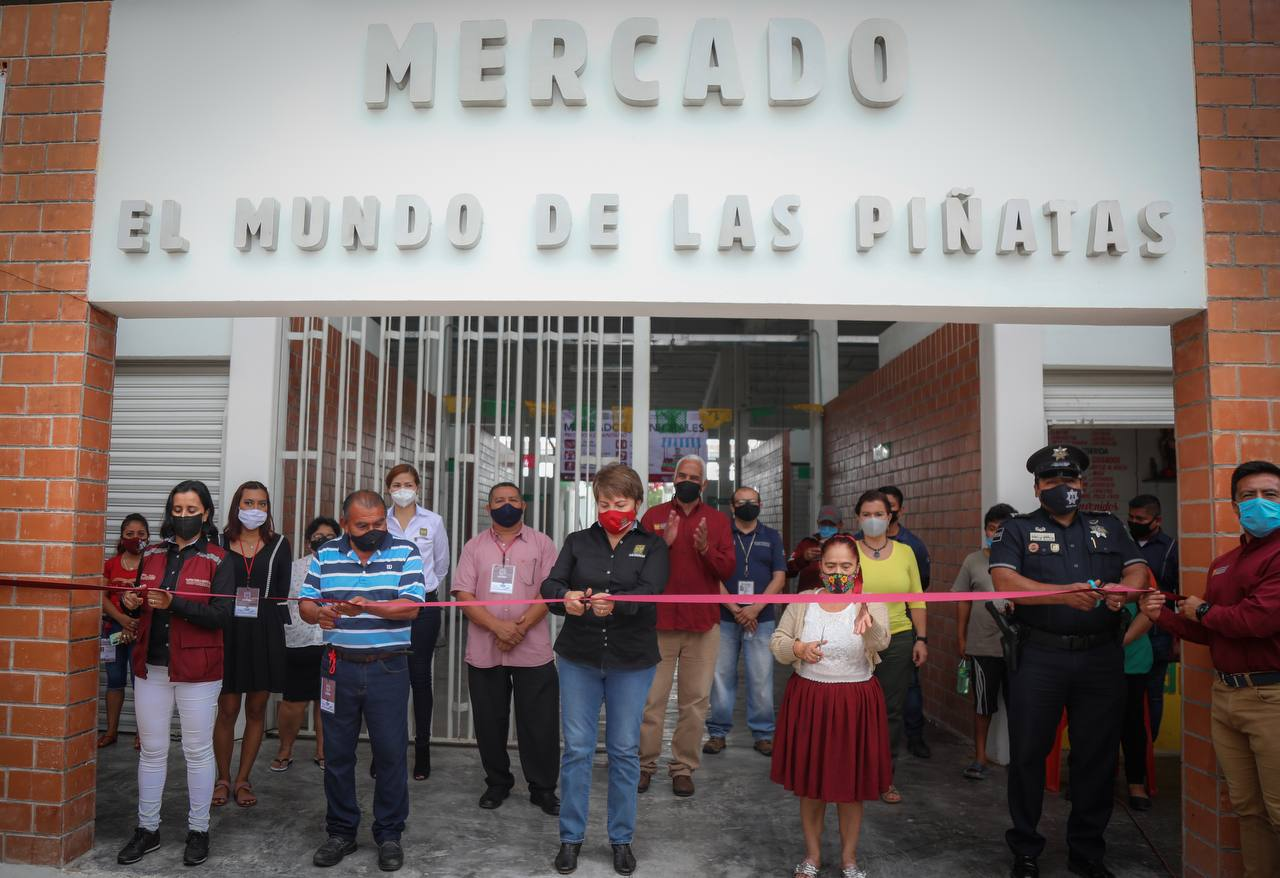 LauraBeristain-MercadoMundodelasPiñatas