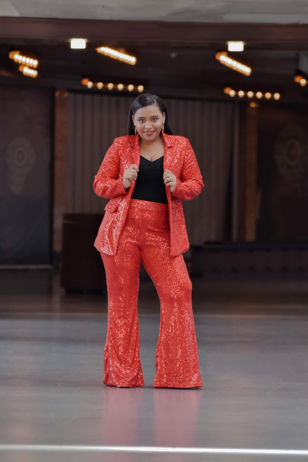 holiday outfit ideas, pattys kloset, party suit for women, sequins suit, red sequin suit, sequin outfits for the holidays, shein clothing reviews