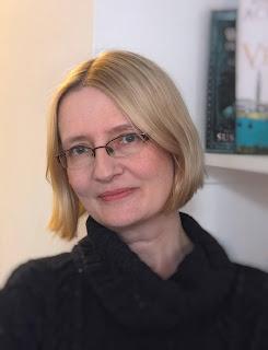 Photo of author Janice Hallett