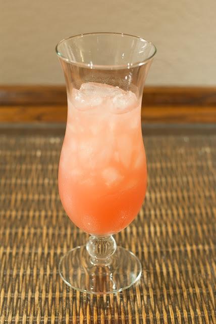 Sea Breeze cocktail, vodka, cranberry juice, grapefruit juice