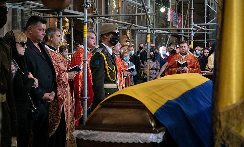 Церемонія прощання з Героєм України, офіцером Збройних сил України Тарасом Матвіївим