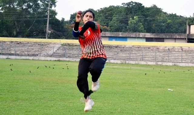 ঢাকা মহিলা ক্রিকেট লীগ মাতাবে টাঙ্গাইলের ১৫ প্রমিলা ক্রিকেটার