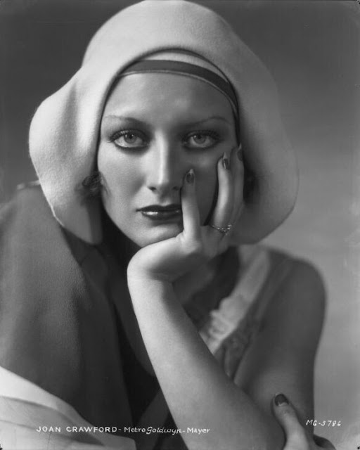 1930. Joan Crawford photographed by George Hurrell